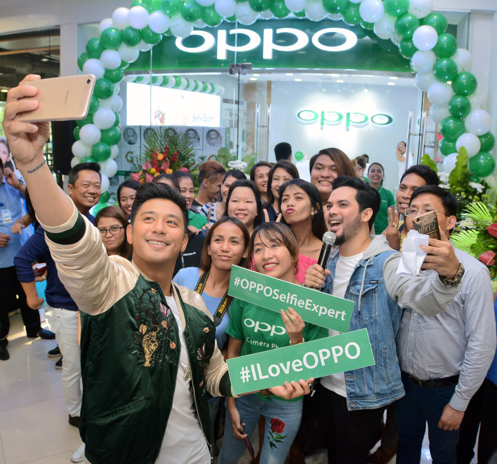 oppo-ayala-center-cebu-photos-1