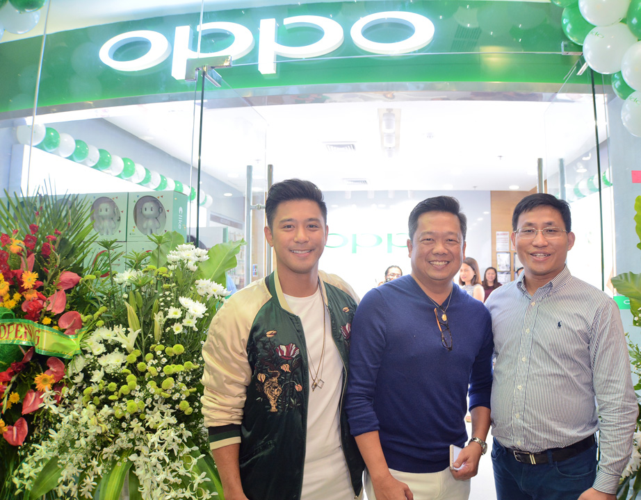 oppo-ayala-center-cebu-photos_web-friendly-size-3